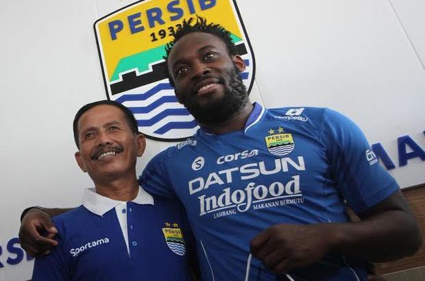 Persib Bandung muốn mua Xuân Trường để thay thế tiền vệ Michael Essien.