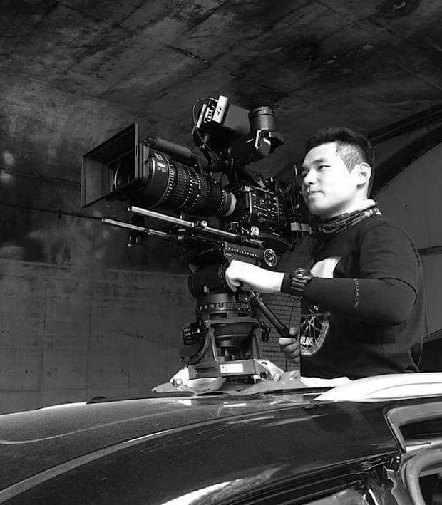 Đạo diễn Eumko được fan suy luận sẽ phụ trách phần hình ảnh trong MV Chạy ngay đi.