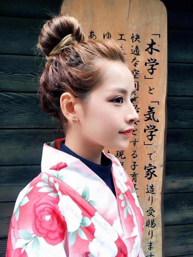 Mỹ nhân sinh năm 1993 cũng từng đánh cắp trái tim fan khi diện kimono.