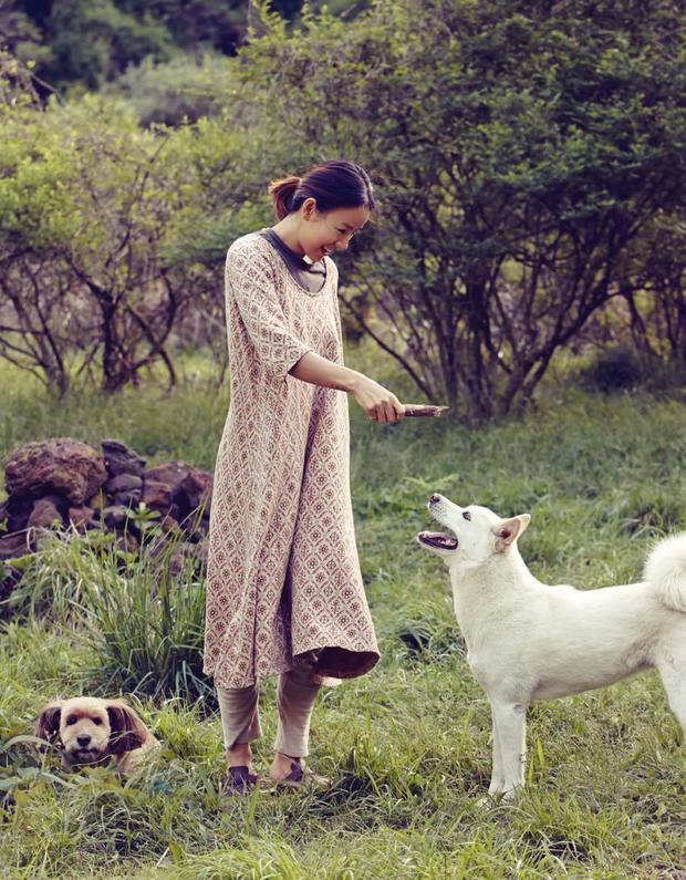 Lee Hyori tuổi 40: Con phượng hoàng kiêu hãnh đã được tình yêu thuần hóa