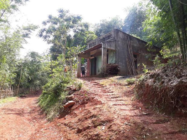 Ngôi nhà của gia đình nạn nhân.