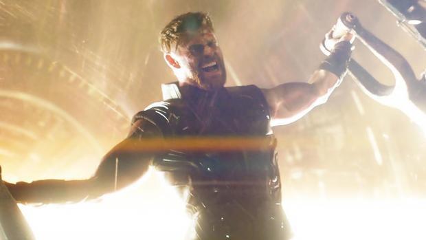 """Ngôi sao của """"Infinity War"""" - Thor sẽ mang Stormbreaker bước vào """"Avengers 4""""."""