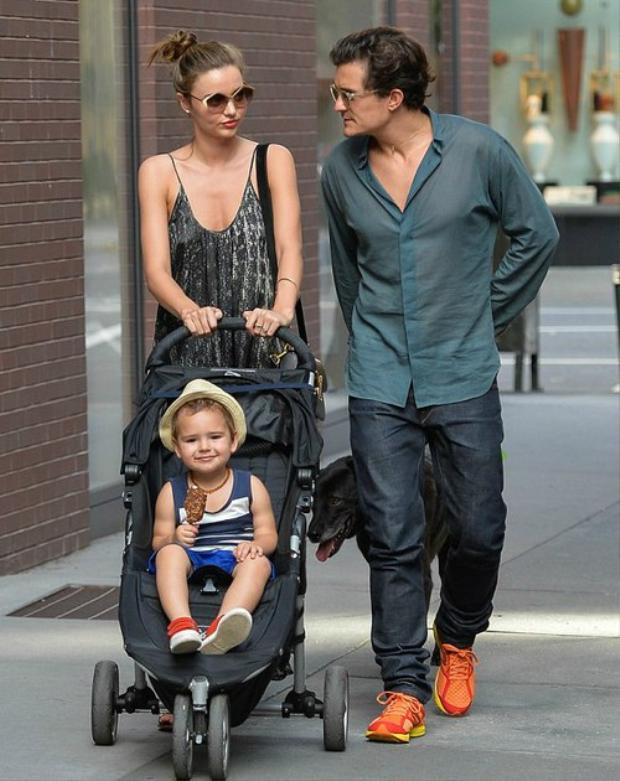 Cựu thiên thần Victoria's Secret cùng con trai và chồng cũ.