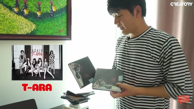 """Fan nhanh chóng tìm ra 2 đĩa """"bán ế"""" mà anh nhắc tới là album And & End."""