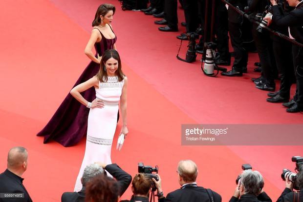 Lý Nhã Kỳ nổi bật cạnh diễn viên người Pháp -Elsa Zylberstein.