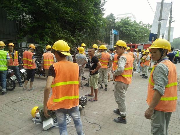 Cháy công trình xây dựng bệnh viện Việt Pháp, hàng trăm công nhân tháo chạy