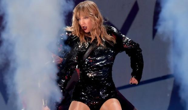 Trong khi đó, cách đây mấy năm thôi, có nằm mơ ta cũng không thể hình dung Taylor trong hình tượng nữ cường như thế này.