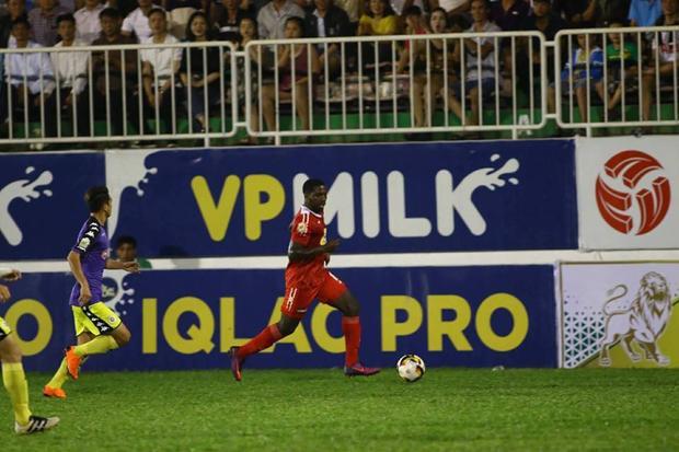 Rimaro chơi kém trong những lần có cơ hội ghi bàn.