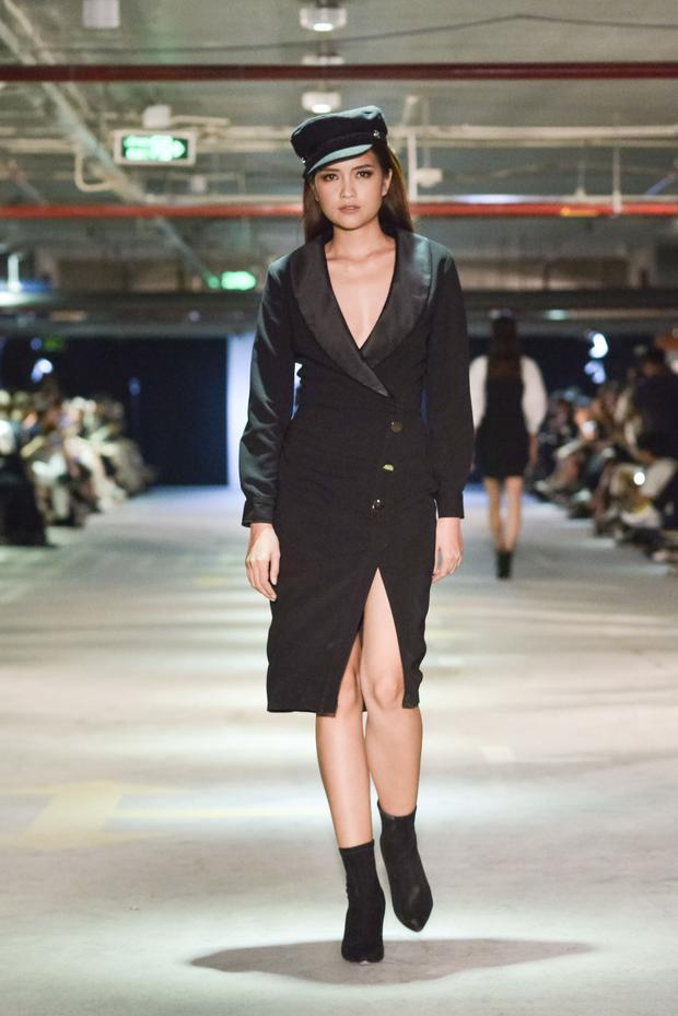 Ngọc Châu thể hiện một thiết kế váy giả áo khoác, mix cùng mũ hải quân thời thượng.