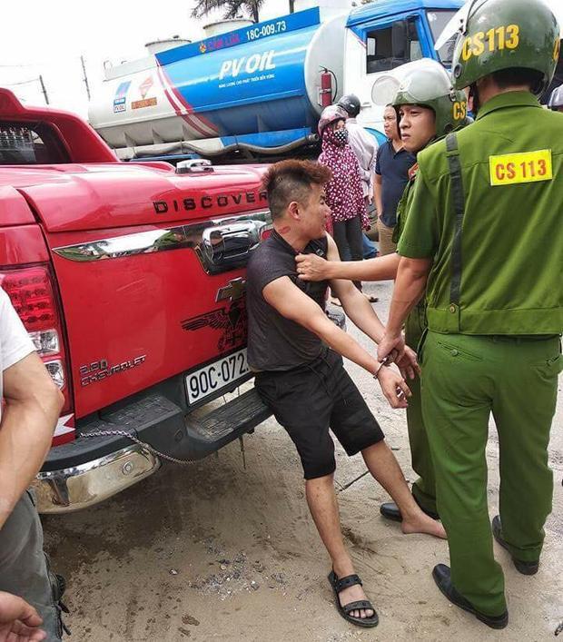 Đối tượng bị công an bắt giữ sau khi bỏ chạy.