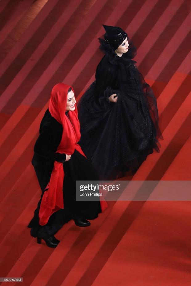"""""""Phù thủy"""" Behnaz Jafari và Marzieh Rezae bỗng xuất hiện tại xứ Pháp."""
