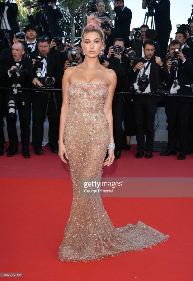 Biểu cảm khó đỡ của Cannes ngày 5: Khi bạn buồn ngủ mà vẫn bị quản lý lôi ra khỏi giường để đi sự kiện