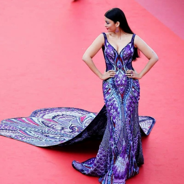 Đây chắc chắn là chiếc đầm gây trầm trồ nhất trong những ngày đầu của LHP Cannes 2018.