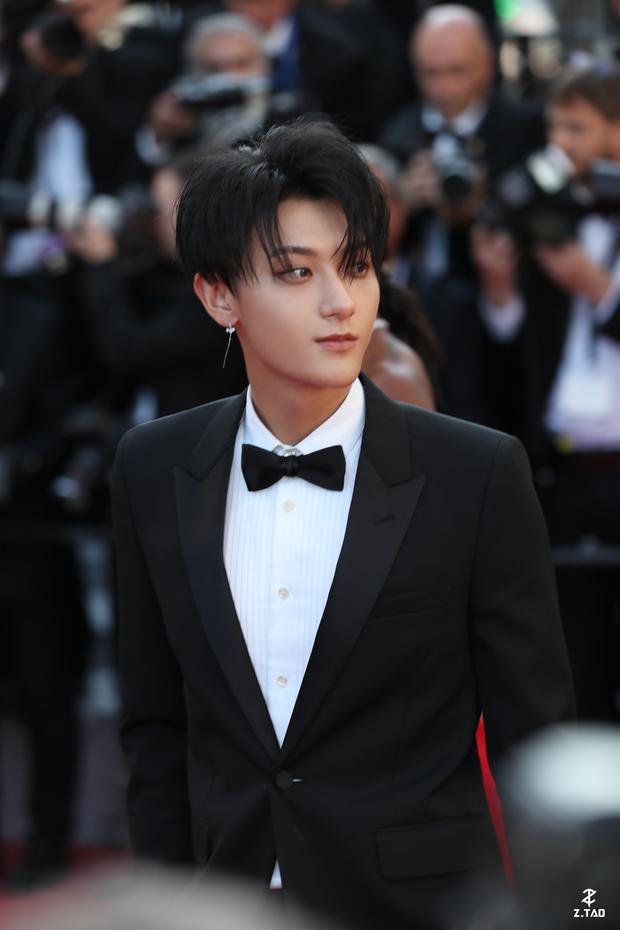 Báo Hàn đăng hình Hoàng Tử Thao dự Cannes 2018, cư dân mạng ném đá chửi bới thậm tệ