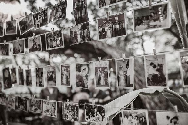 Không gian triển lãm đậm chất hoài cổ với những bức ảnh tái hiện đám cưới xưa