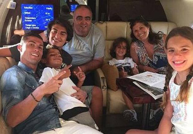 Ronaldo cấm những người trong gia đình nhắc đến từ Messi khi ở nhà.