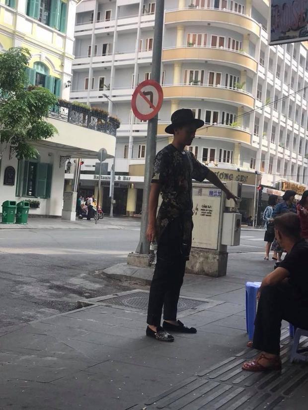 """Rocker Nguyễn xuát hiện với hình ảnh """"thân xác hoang tàn không nhận ra""""."""