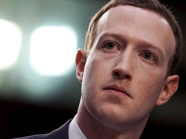 3. Mark Zuckerberg, CEO Facebook. Tài sản ròng: 71,4 tỷ USD. Mark sáng lập Facebook từ căn phongf kí túc của mình vào năm 2004.