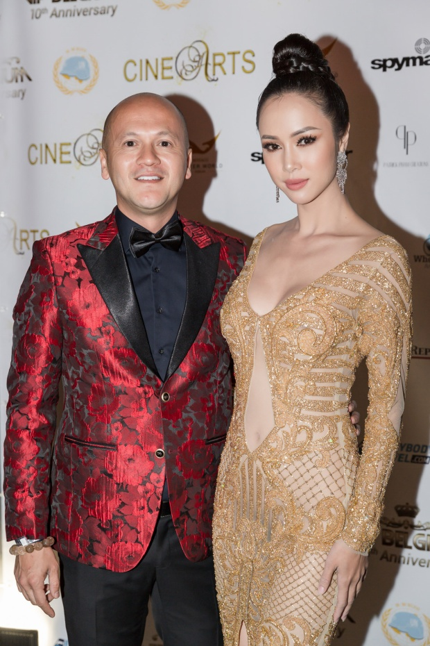 Nữ diễn viên Vũ Ngọc Anh đã thay hai bộ váy khi tham gia sự kiện.