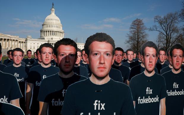 Facebook đang áp dụng nhiều biện pháp để lấy lại niềm tin nơi người dùng. Công khai nhiều thông tin là một trong số đó.