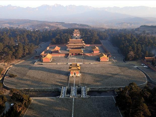 Càn Long đưa linh cữu Ung Chính vào khuTây Thanh Mộ 120km về phía tây nam thành Bắc Kinh, táng ở Thái Lăng. Ảnh: Baidu