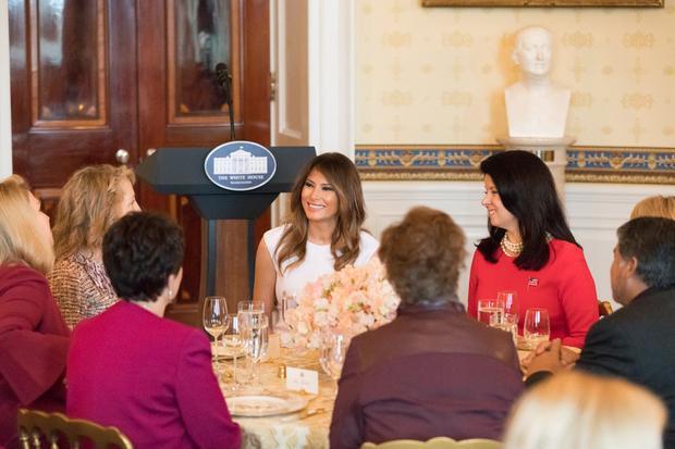 Bà Trump chủ trì bữa trưa dành với phu nhân các nhà lãnh đạo tại Nhà Trắng hôm 26/2/2018.