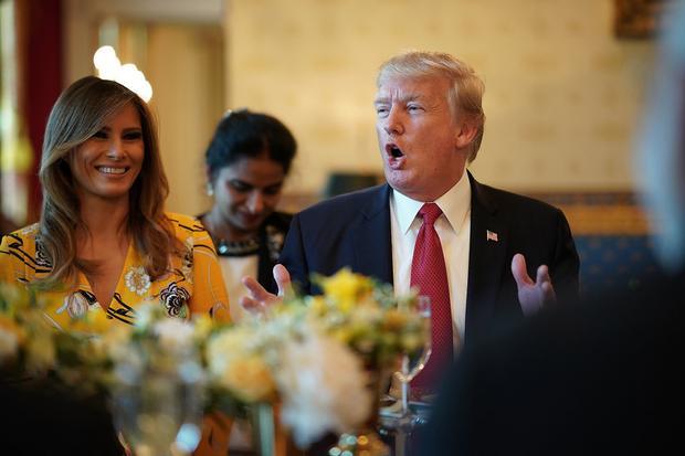 Hai vợ chồng ông Trump dùng bữa tại Nhà Trắng hôm 26/6/2017.