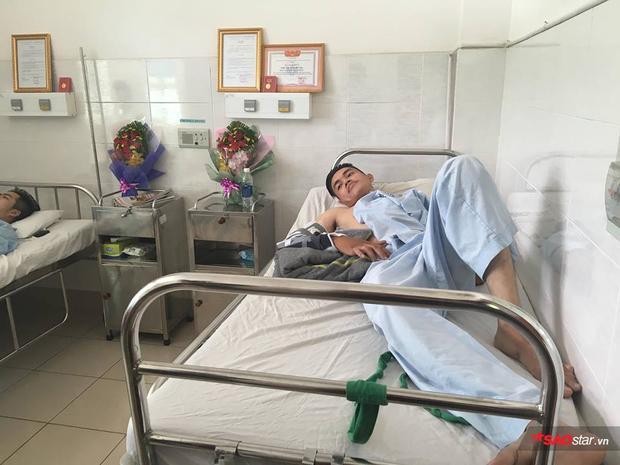 Hiện, Đinh Phú Quý và Nguyễn Phúc Huy - hai hiệp sĩ bị đâm trọng thương trong vụ bắt băng cướp xe SH, đang được điều trị tại bệnh viện Thống Nhất.