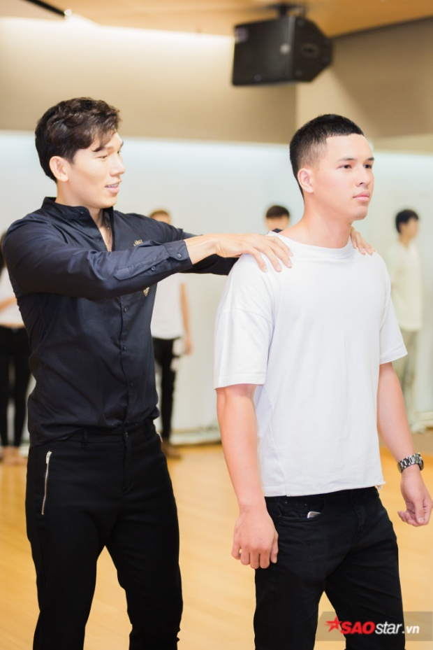 Anh cũng chia sẻ, qua cuộc thi Siêu mẫu Việt Nam, các thí sinh không chỉ được đào tạo để trở thành những người mẫu high fashion, mà còn có thể phát triển mình theo hướng mẫu thương mại, người mẫu hình thể, tùy vào thế mạnh từng người.
