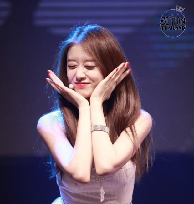 """Buổi fanmeeting riêng đầu tiên sau khi về """"nhà mới"""" của nữ ca sĩ sẽ diễn ra tại HongKong vào khoảng nửa cuối năm nay.Hãy cùng chờ đợi những tin tốt tiếp theo trong tương lai từ các cô nàng T-ara nhé!"""