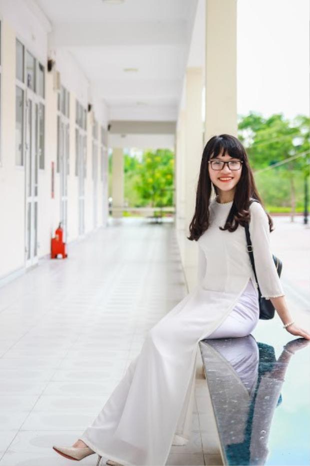 Nguyễn Đỗ Phương Uyên - Học sinh lớp 12 chuyên Anh, trường THPT Chuyên Trần Phú, Hải Phòng vừa xuất sắc nhận 9 học bổng Mỹ.