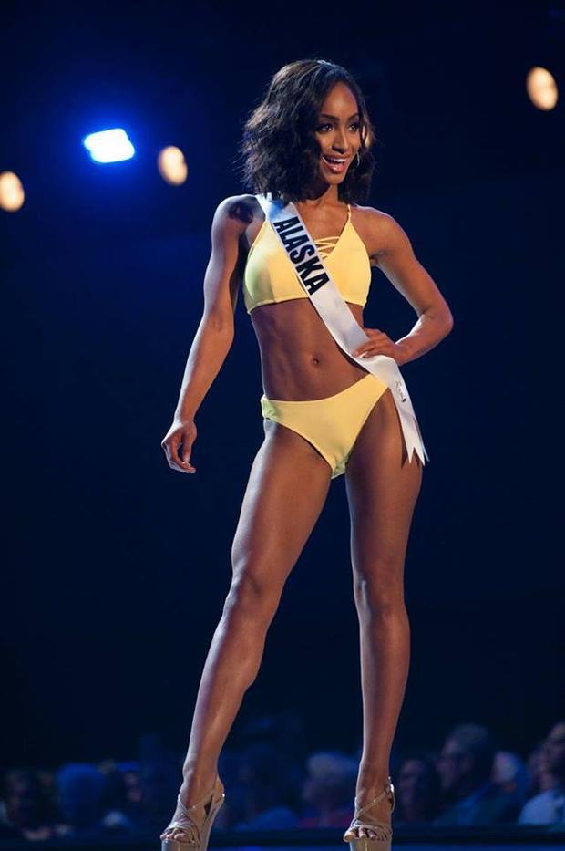 Năm nay, cuộc chiến vương miện Miss USA - Hoa hậu Mỹ vô cùng cam go, khi mà 51 cô gái đại diện cho mỗi tiểu bang đều sở hữu vẻ đẹp riêng biệt, nổi trội và rất đồng đều.