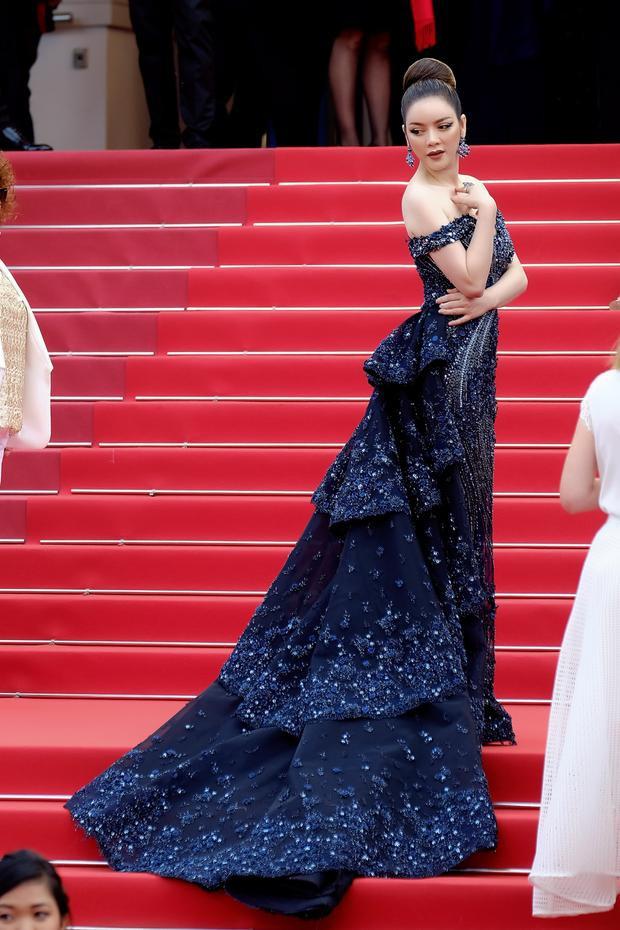 Lý Nhã Kỳ tiếp tục càn quét thảm đỏ Cannes trong những ngày cận cuối.