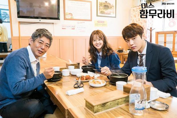 Con gái dẫn bạn trai về ra mắt baSung Dong Il.