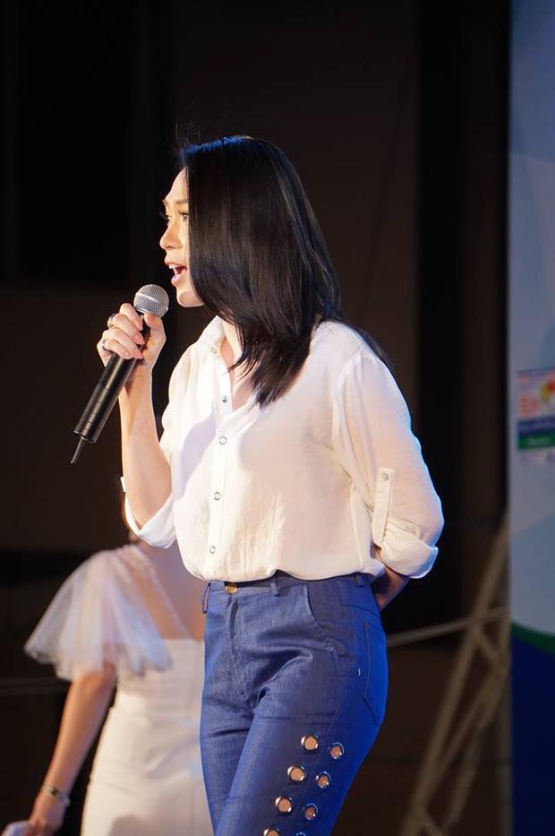 Clip: Lan Khuê y chang một fan girl nhỏ bé, đau tim trước màn thả thính từ Mỹ Tâm