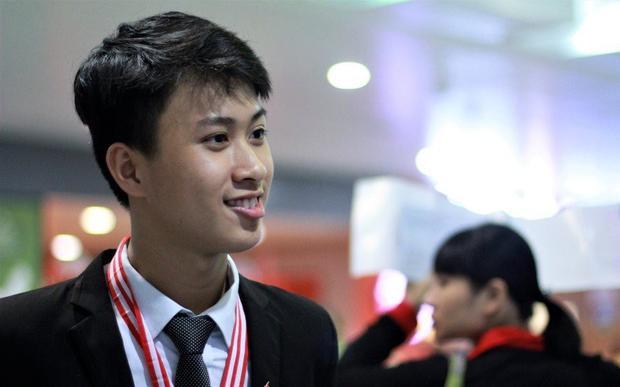 Chân dung cậu bạn đa tài, học giỏi - Nguyễn Thế Quỳnh