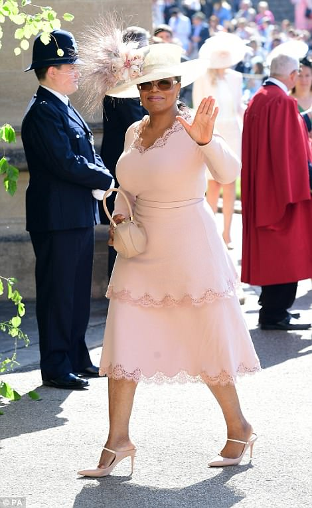 Trong danh sách khách VIP không thể thiếu cái tên Oprah Winfrey, người dẫn chương trình nổi tiếng từng đoạt giải Emmy.