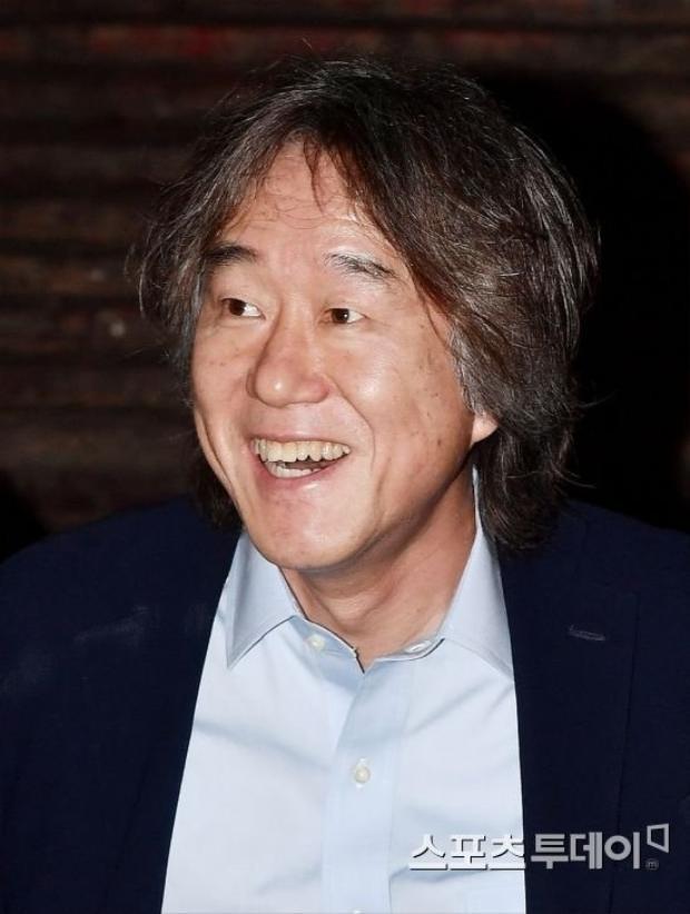 Đạo diễn Ahn Pan Seok.