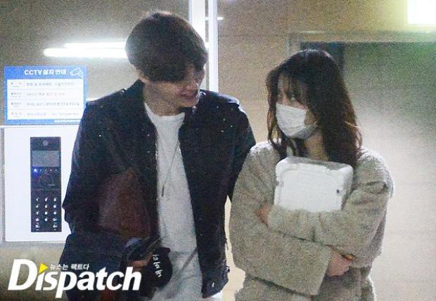 """Goo Hye Sun và Ahn Jae Huyn bắt đầu tình yêu của mình vào tháng 4 năm 2015, ngay sau khi kết thúc bộ phim của đài KBS - """"Blood""""."""