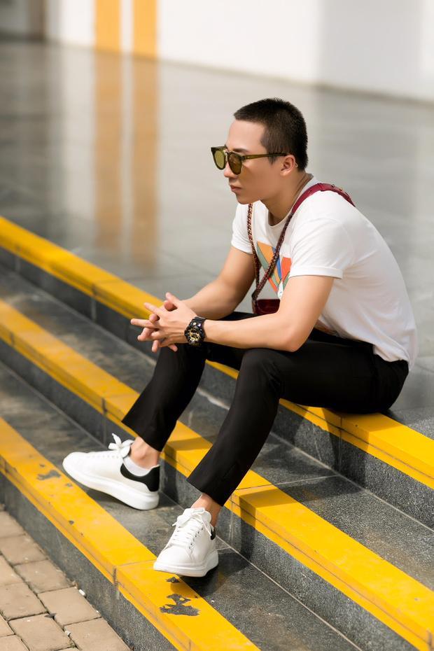 Chỉ có thể là stylist Khun Chai: Phối đồ dễ như bỡn nhưng lại chất như nước cất