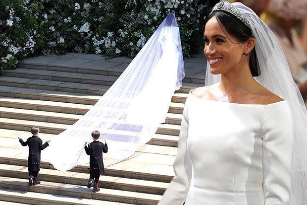 Chiếc váy cưới tuyệt đẹp của Meghan. Ảnh: Daily Star