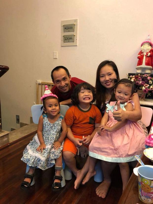Gia đình thứ hai của bé gái Mường Lát.