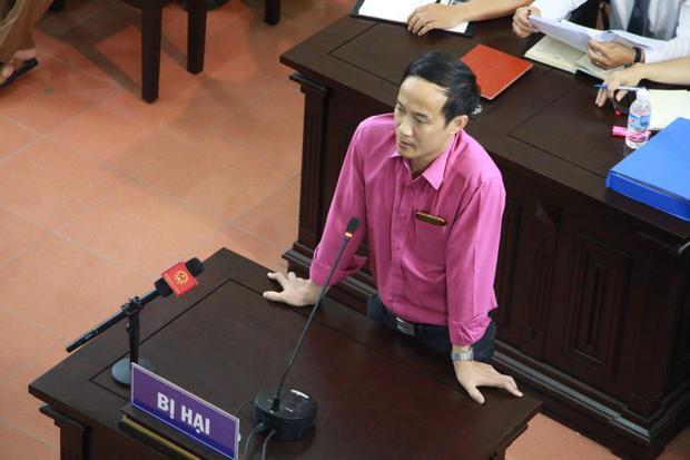 Điều dưỡng Đinh Tiến Công bất ngờ thay đổi lời khai tại tòa.