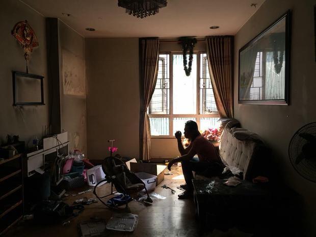 Đã 2 tháng trôi qua, nhiều gia đình như chị Hạ vẫn mong mỏi từng ngày được trở về căn hộ cũ tại chung cư Carina.