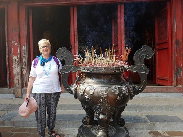 Bà Ryan trong chuyến du lịch Việt Nam vừa qua. Ảnh: NVCC