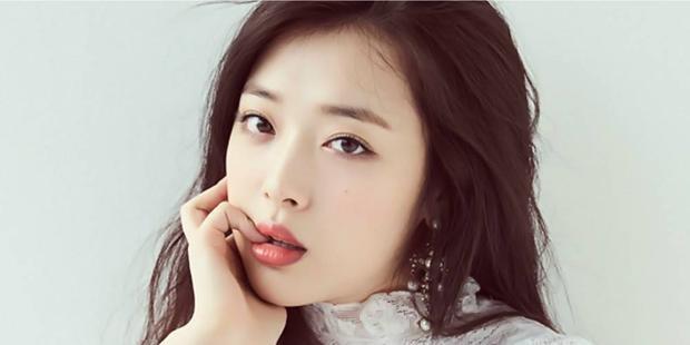 Nữ idol nổi tiếng với làn môi căng mọng…