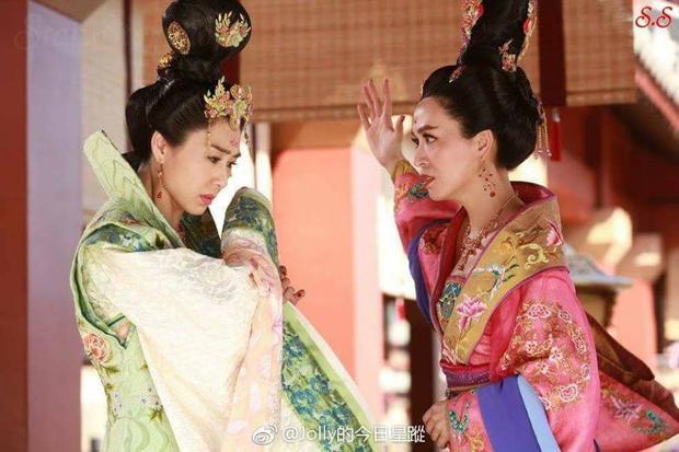 Phản ứng của fan TVB trước tập 1 bom tấn được mong chờ nhất  Thâm cung kế