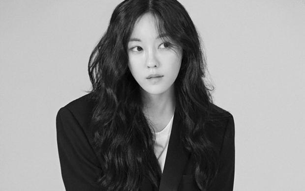 Hyomin gia nhập Sublime Artist Agency do đã có mối quan hệ tốt từ trước với công ty này.