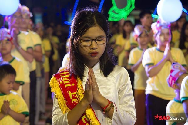 Nữ sinh Hà Nam thu hút sự chú ý vì diện mạo xinh đẹp, thuần khiết.