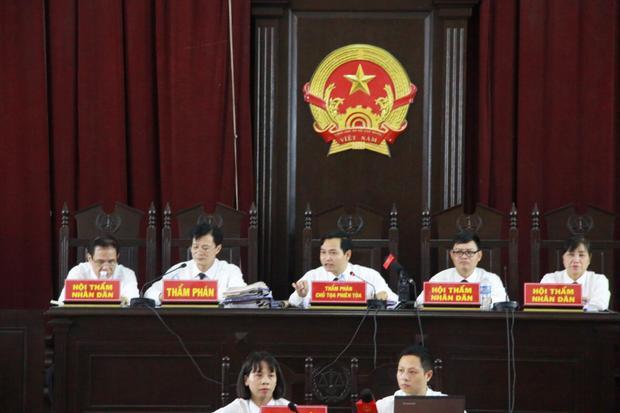 HĐXX đọc bản lời khai của ông Trương Quý Dương.